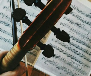 music, violin, and notas image