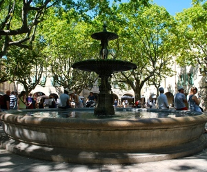 ete, fontaine, and uzes image