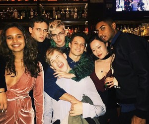 13 reasons why, cast, and netflix image