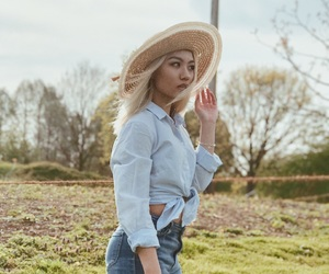 blonde, park, and spring image