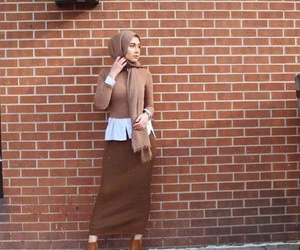 hijab, outfit, and oofd image