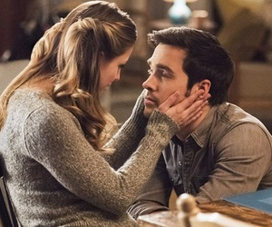 Supergirl, karamel, and mon-el image