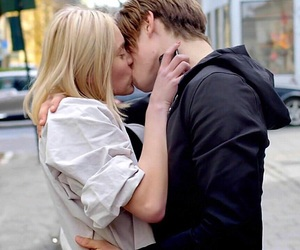skam, couple, and noora image