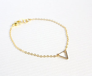 layering, triangle, and accessories image