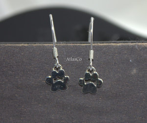 gift, cat lover, and paw earrings image