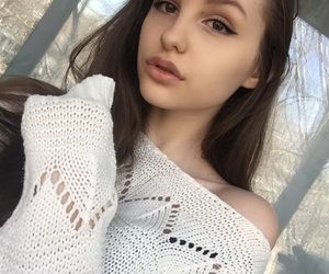 aesthetic, brown, and girl image
