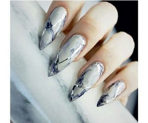 accessories and nail image