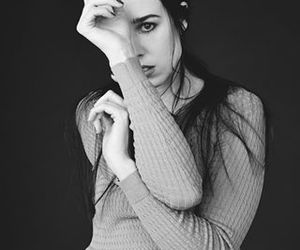 b&w and allie x image