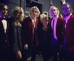 concert, riker lynch, and ross lynch image
