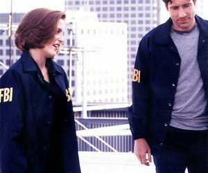 fox mulder, dana scully, and Xfiles image