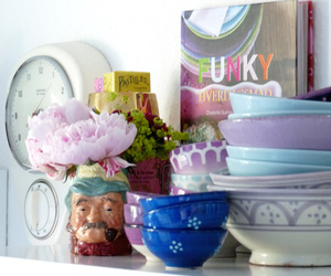 dishes and knick knacks image