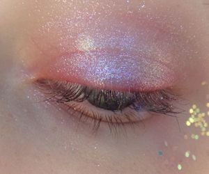 pink, eye, and glitter image