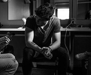 black+and+white and shawn+mendes image