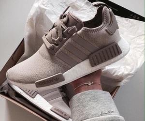 adidas and tênia image