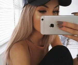 girl, iphone, and makeup image