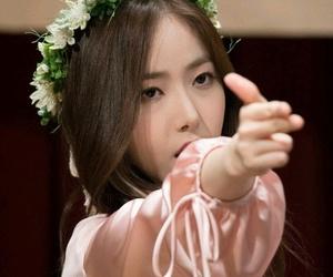 sinb, gfriend sinb, and hwang sinb image