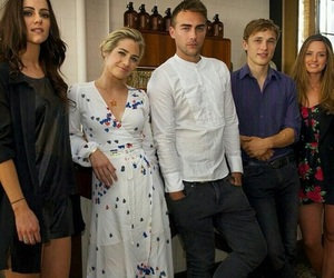 the royals, cast, and alexandra park image