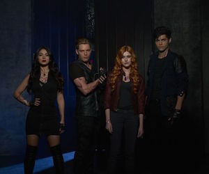 shadowhunters, alec, and clary image