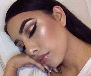 beautiful, highlighter, and makeup image