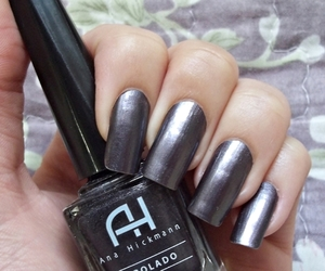 cinza, grey, and manicure image