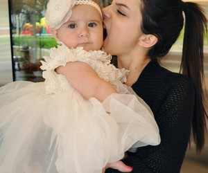 kendall jenner, family, and penelope disick image