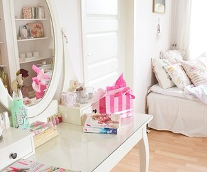 girly, room interior, and makeup image