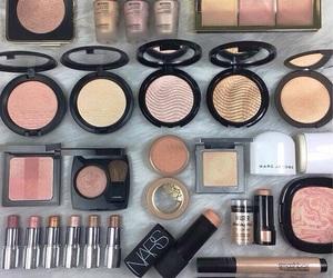 beauty, lips, and eyeshadow image