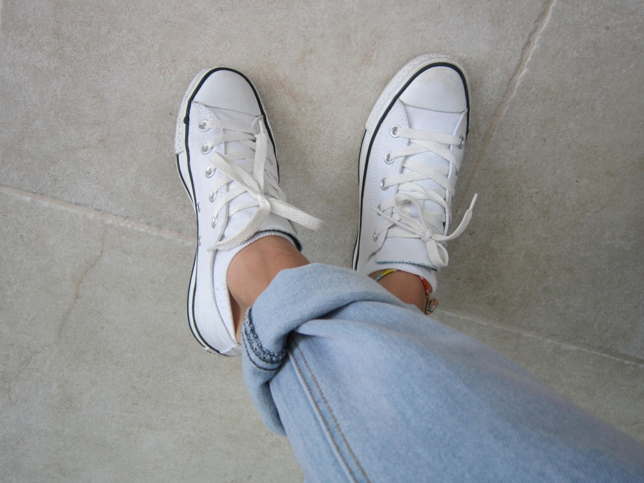 All converse white tumblr pictures advise to wear for autumn in 2019