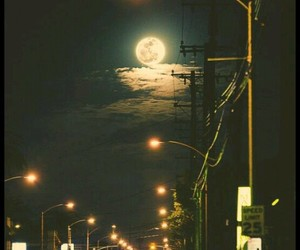 calle, luna, and city image