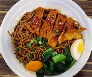 food, lunch, and noodles image