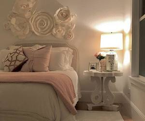 bed room, decor, and worm image