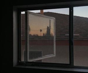 theme, window, and dark image