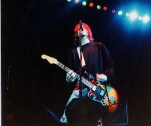 kurt cobain, 90s, and grunge image