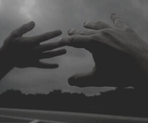 hands, aesthetic, and grunge image