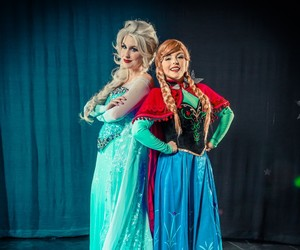 cosplay, Queen, and sisters image