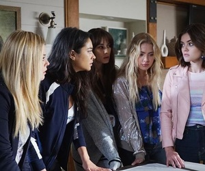 alison, hanna, and pretty little liars image
