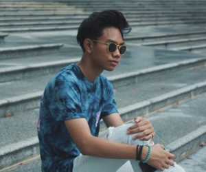 ripped jeans, singapore, and streetwear image