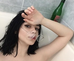 aesthetic, bath, and glasses image