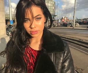 nisrina sbia, girl, and icon image
