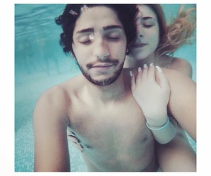 amore, underwater, and couples image