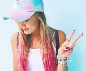 laurdiy, hat, and pink hair image