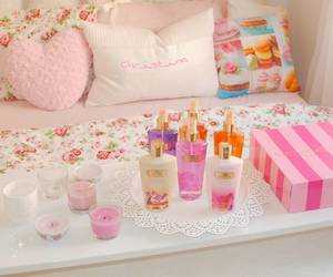 room interior, victoria secret, and amber romance image