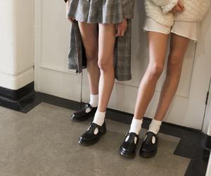 aesthetic, girls, and teenagers image