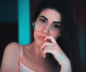 eyeliner, makeup, and girl image