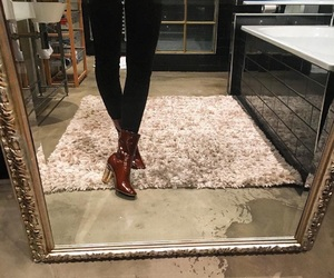 style and mirror image
