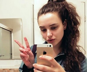 katherine langford, hannah baker, and 13 reasons why image