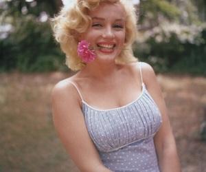 Marilyn Monroe, flowers, and vintage image