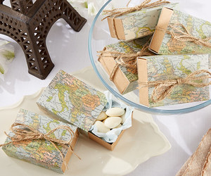 wedding favor boxes, map favor boxes, and travel wedding favors image