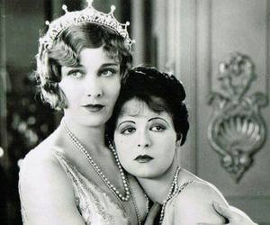 black and white, clara bow, and esther ralston image