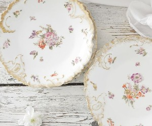 dinnerware, floral pattern, and home decor image